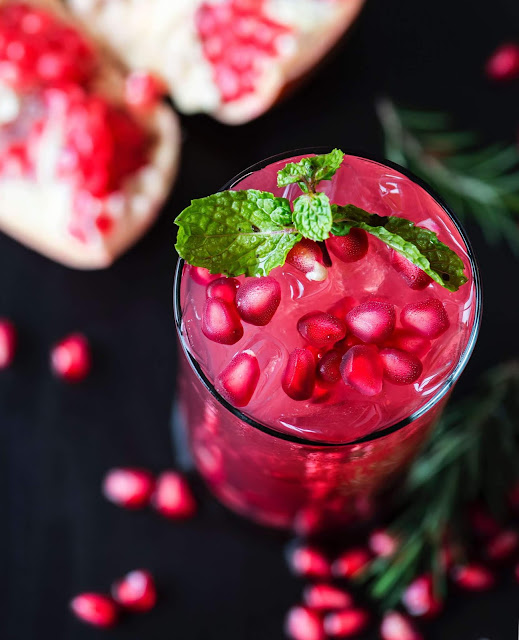 Pomegranate Juice for clear glowing skin