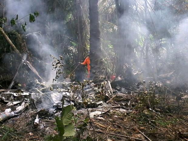 Aeronave de pequeno porte cai em Manaus e cinco pessoas morrem; uma sobrevive