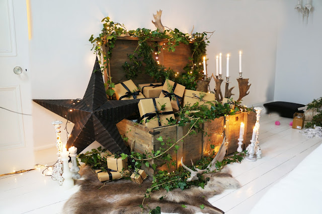 Rustic Christmas trunk styling