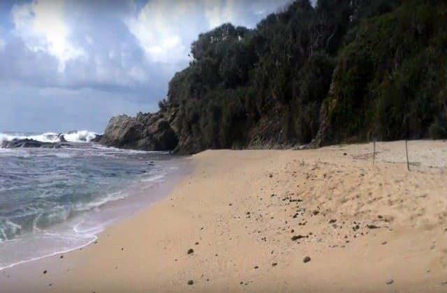 Pantai Jungwok, Private Beach Baru dengan Ombak Tinggi