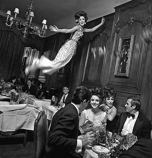 1965 Melvin Sokolsky fashion photograph