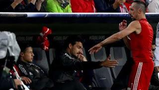 Frank Ribery Berang Melempar Kaos Lantaran Diganti Saat Melawan Anderlecht
