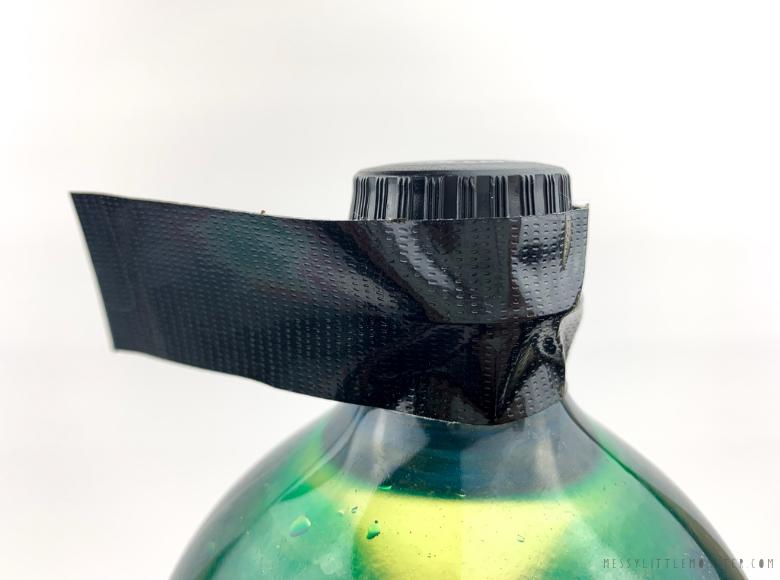 lid on sensory bottle