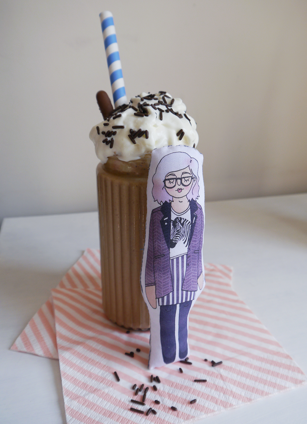 blog birthday, blogging duo, Edinburgh bloggers, Scottish bloggers, blogger style, milks shakes, milkshake recipes, food styling, Ellie Kate Grey, customised dolls, personalised illustrations, Nutella peanut butter banana milkshake, toffee popcorn milkshake, movie milkshake, Roller Shakes, food styling, colourful straws, hard shake recipes