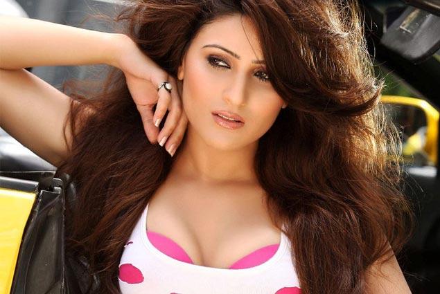 Bollywood Actress Inayat Latest Hot Stills actressbuzz.com