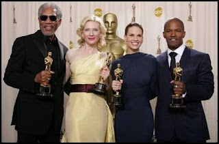Morgan Freeman, Cate Blanchett, Hilary Swank y Jamie Foxx en los Oscars 2005