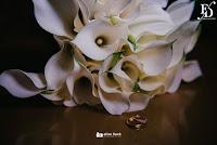 casamento estilo mini-wedding realizado no restaurante le bistrot gourmet em porto alegre por fernanda dutra eventos com decoração elegante sofisticada e clean em branco preto e prara gauchos casando no exterior casamento em porto alegre casamento em portugal