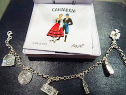 Pulsera con colgantes motivos de Cantabria. 45€
