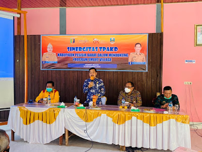 Pjs Bupati Pesibar Buka Sosialisasi Sinergisitas Tim Percepatan Akses Keuangan Daerah (TPAKD)