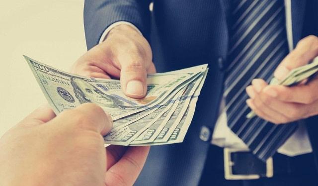money saving tactics new entrepreneurs cut costs solopreneurs reduce expenses sole proprietor