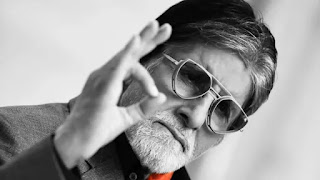 when amitabh bachchan blown his hand with diwali firecrackers