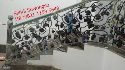 raling tangga besi tempa untuk pagar klasik