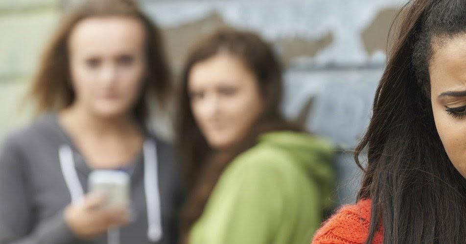 Sex and Teens: se non ti fai sverginare sei una sfigata