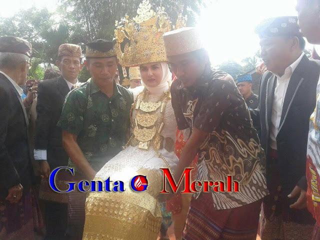Gawi Adat, Istri Bupati Pesawaran Diberi Adok Sultan Putri Nata Marga
