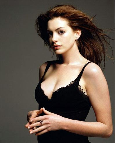 Anne Hathaway Sexy Cleavage Photos wearing Bra   Glamourous Photoshoot Images