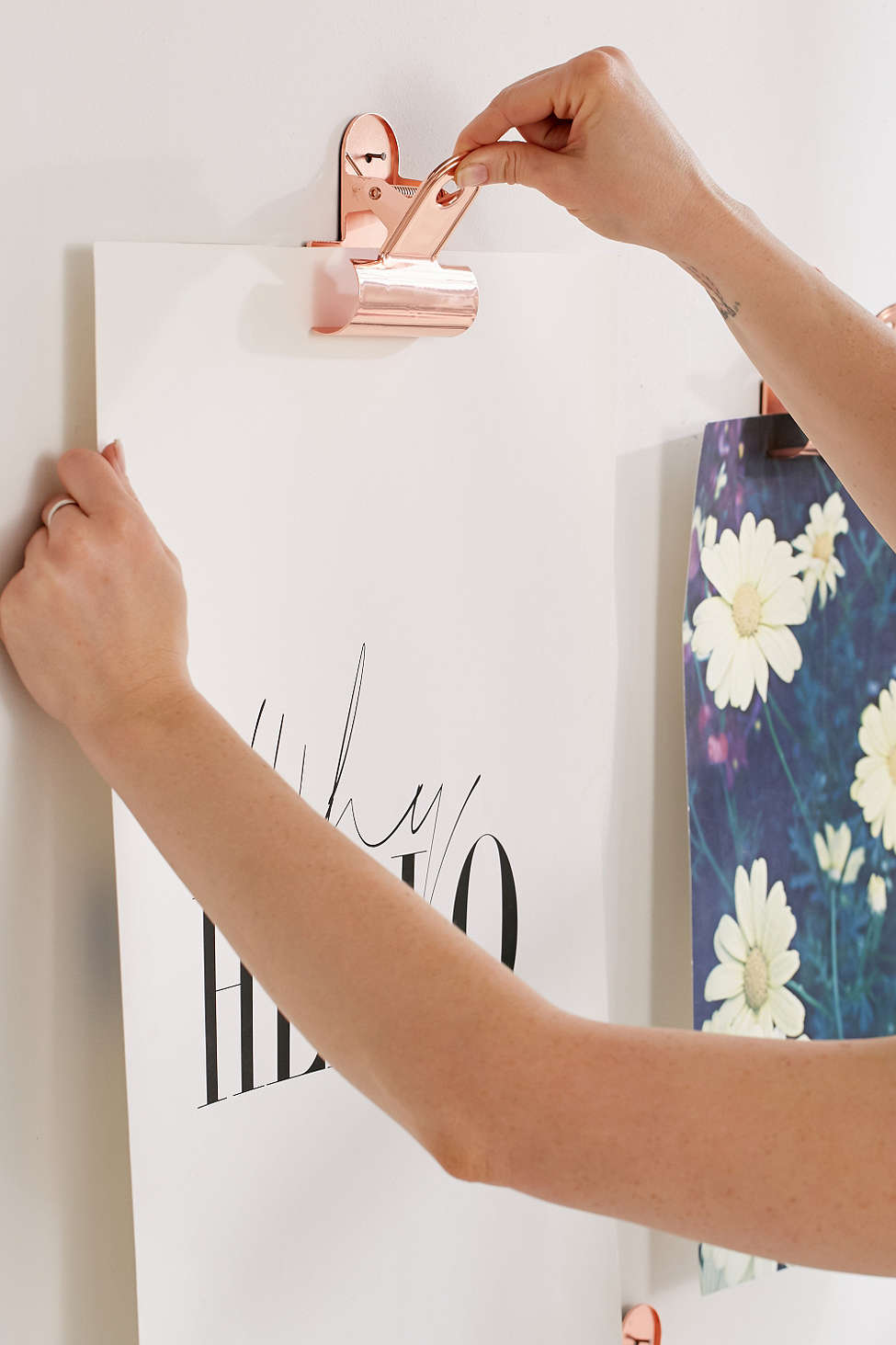 Galleries hung on the paper clip | Cleo-inspire