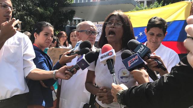 VENEZUELA: Gremio de enfermeras rechaza el pírrico aumento salarial decretado por el usurpador Maduro.