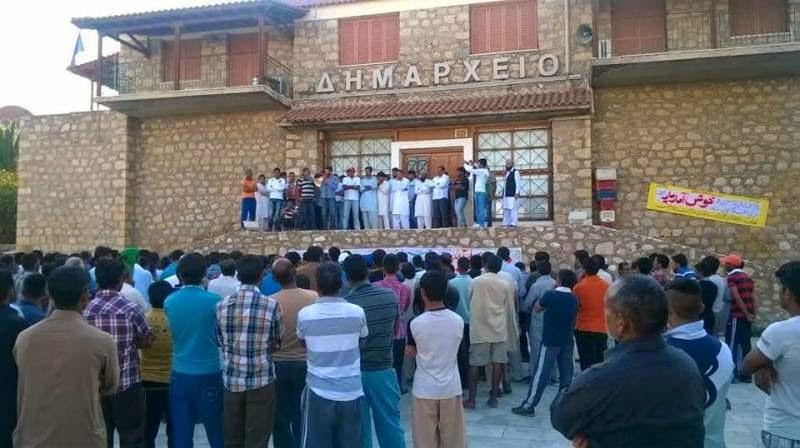 Ισλαμιστές λαθραίοι κατέλαβαν το Δημαρχείο στην Σκάλα Λακωνίας-Τον νόμο της Σαρίας έχουν επιβάλει Πακιστανοί & Αφγανοί!