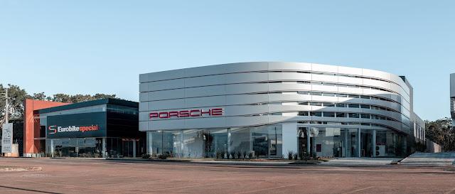Eurobike abre novo Porsche Center Brasília, o primeiro no novo padrão da marca