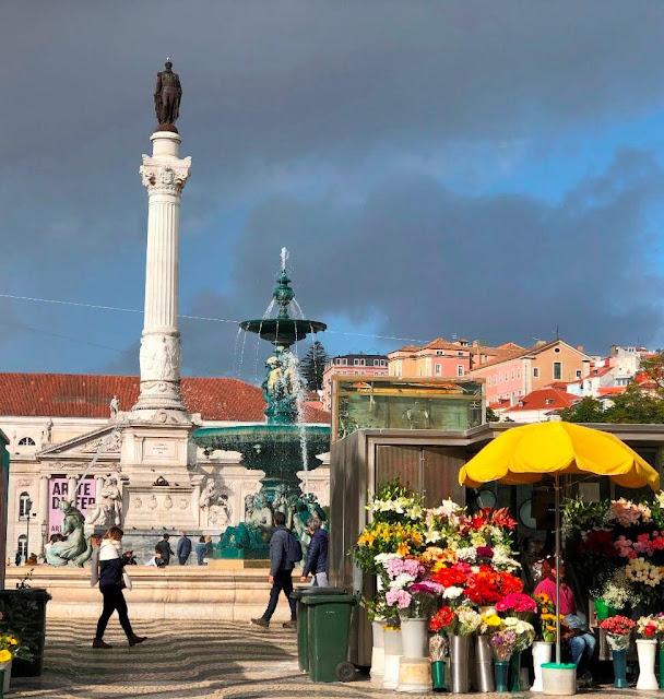 Praça de D. Pedro IV, mais conhecida por Rossio - Lisboa