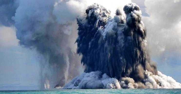 Gaz kabarcığı su altı volkanlarının tekrar uyanması sonucu meydana gelir.