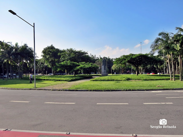Vista ampla da Praça Prof. Reynaldo Porchat na USP - Butantã - São Paulo
