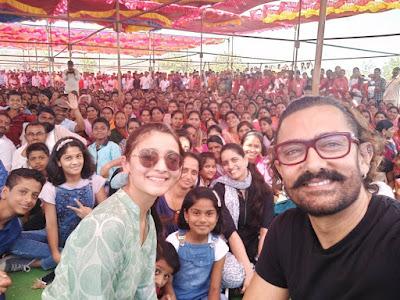 alia-bhatt-and-aamir-khan-celebrate-maharashtra-day