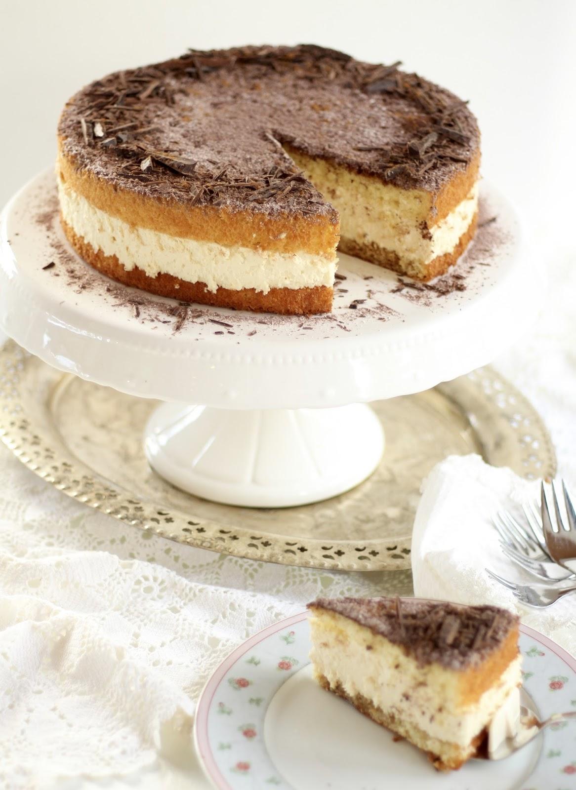 Himmlisch flauschige, cremige Tiramisu Torte - Klassische Torte für die Kaffeetafel