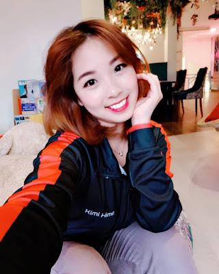 Kimi HIme artis cantik dan manis seksi YouTuber