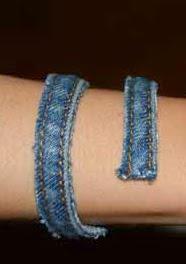 http://bricoblog.eu/originales-pulseras-con-un-viejo-pantalon-vaquero-reciclado/