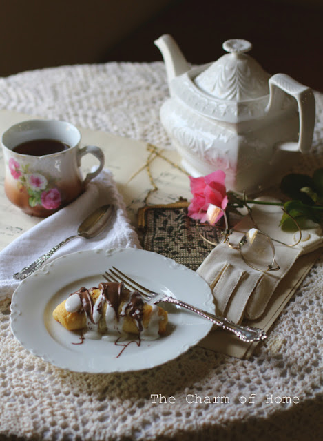 S'mores Crescent Pastry: The Charm of Home