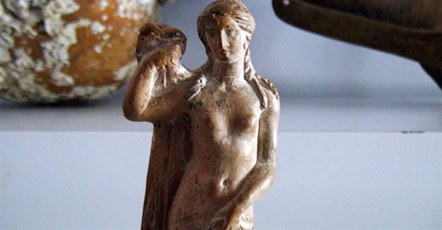 Police seize priceless 2,000 year old Aphrodite statue in Istanbul