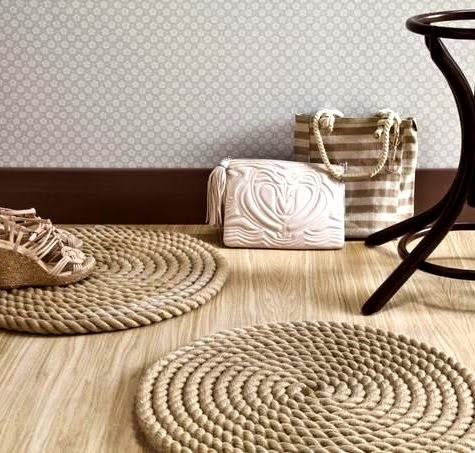 make a diy round rope mat or rug depending on how ambitious you are completely coastal. Black Bedroom Furniture Sets. Home Design Ideas