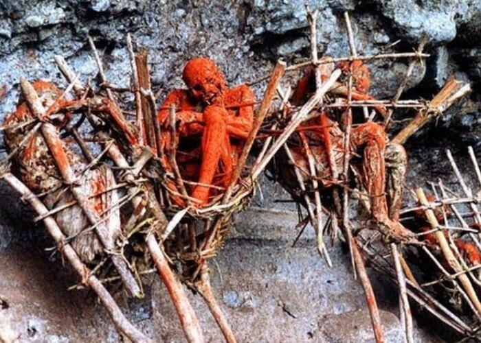 Mayat Salai Tebing