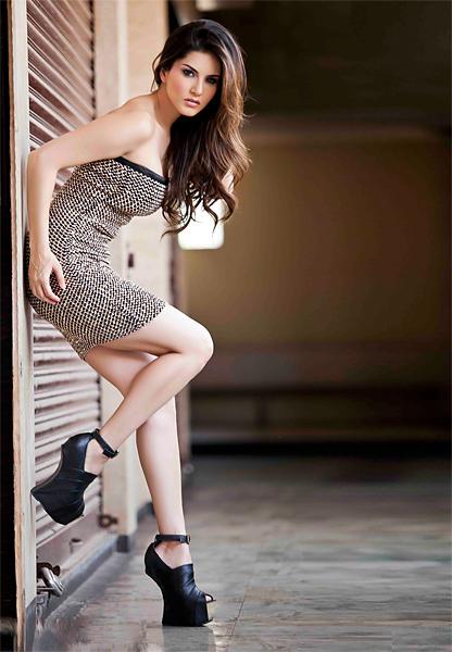 Sunny Leone Hot Post