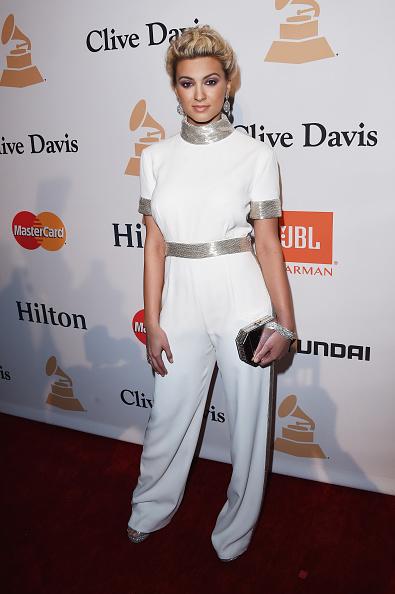 Fiesta tradicional de Clive Davis pre-Grammy reúne a grandes artistas.