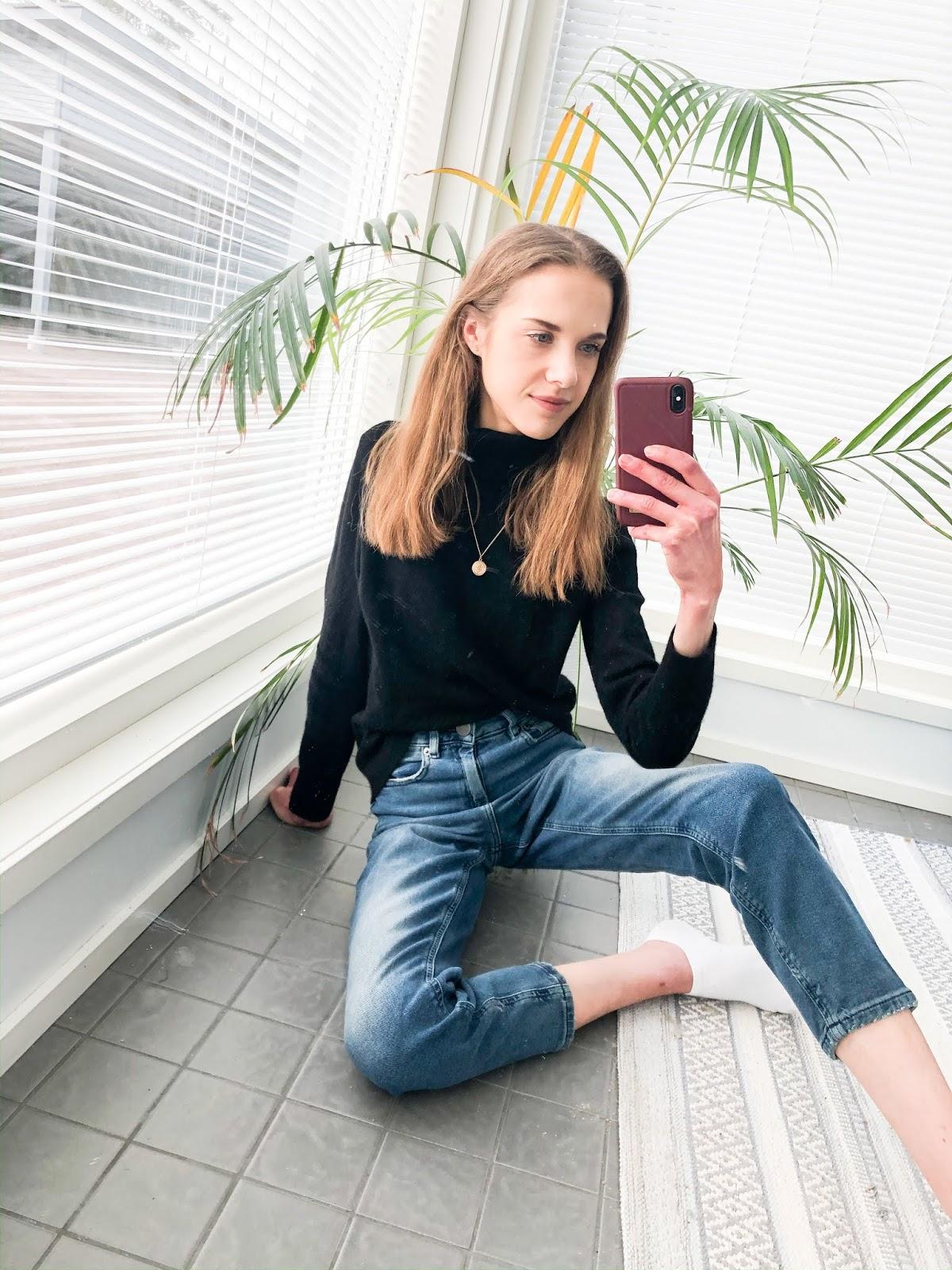 Work from home outfit: jeans + jumper - Kotitoimisto, asuinspiraatio, farkut, neule, muotibloggaaja