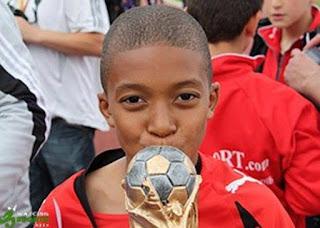 Foto Kylian Mbappé kidstar Pemain Muda Terbaik