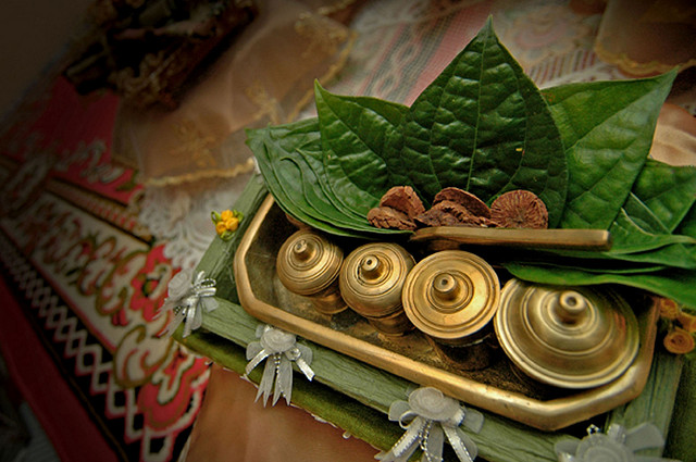 tradisi-makan-sirih-riau