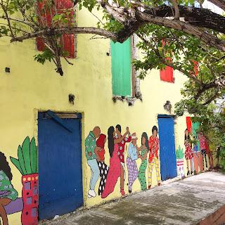 Street Art in Nassau, Bahamas - curiousadventurer.blogspot.com