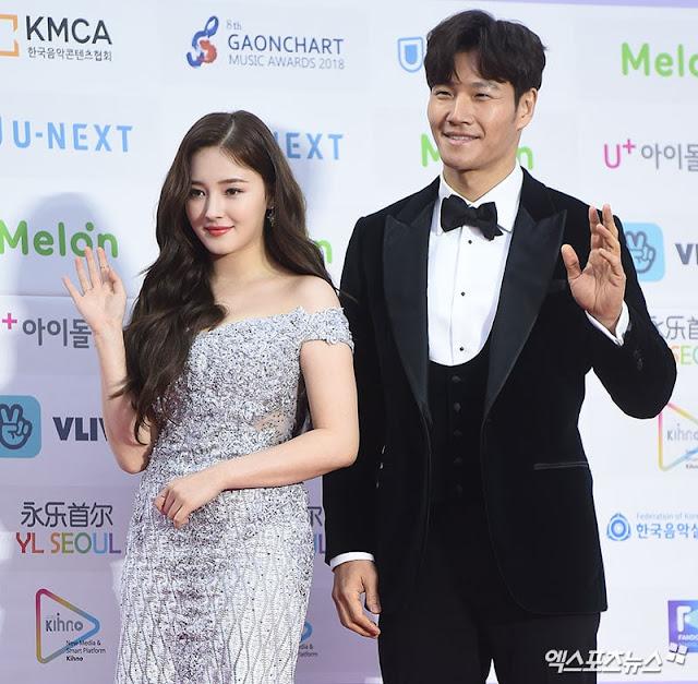 Foto-Foto Idol di Red Carpet 8th Gaon Chart Music Awards