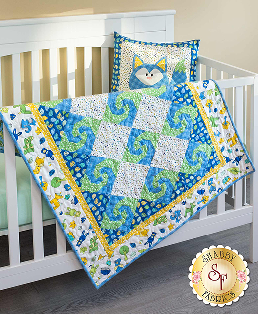 Snail's Trail Quilt Free Tutorial designed by Jennifer Bosworth of Shabby Fabrics.