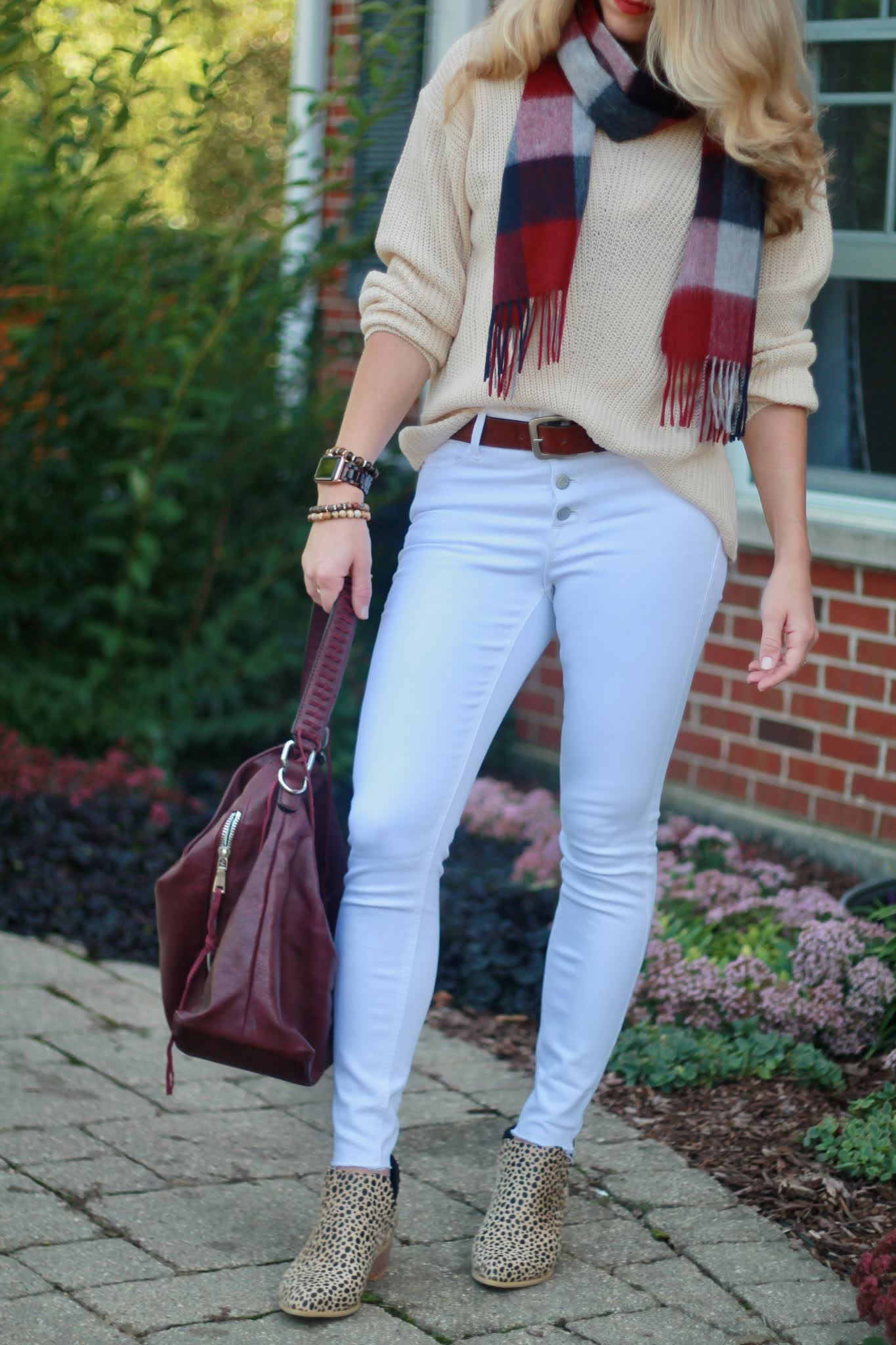 casual fall outfits, fall leggings outfit, fall white jeans outfit, plaid scarf,