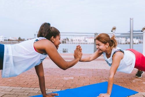 Active Monday 40 - HIIT Dance Workout & Autumn Salad Recipe