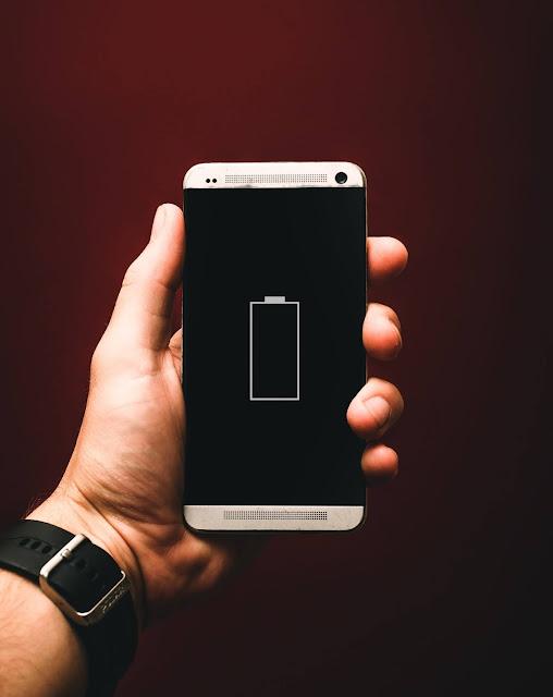Hindarkan Main Handphone Sambil Caj