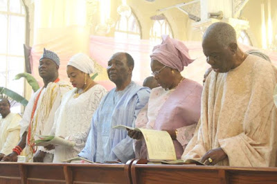 Ooni Of Ife And His Wife Worship With Yakubu Gowon, Ernest Shonekan And Others In Lagos. Photos
