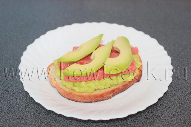 рецепт тоста с авокадо, семгой и яйцом-пашот с пошаговыми фото