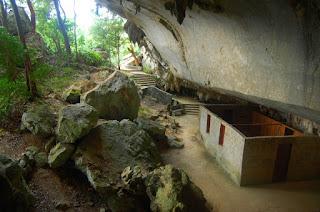 La cueva de los Portales, hoy en día lugar de peregrinación de los seguidores del Che.