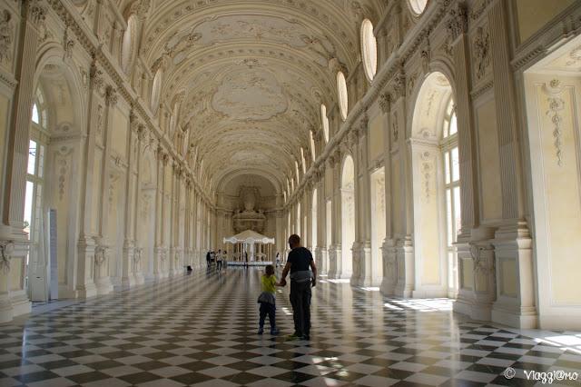 Lo splendido impatto scenico della Galleria Grande di Juvarra, alla Reggia di Venaria