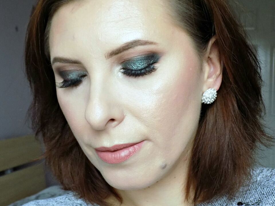 New Year's Eve party smokey eyes with nude lips